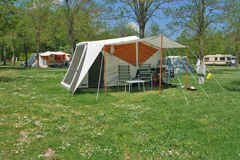 Parco delle piscine camping village camping toscana for Camping delle piscine sarteano siena